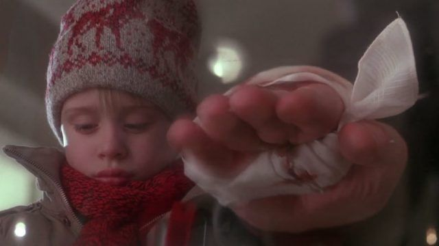"""Old Man Marley's Hand in """"Home Alone"""""""