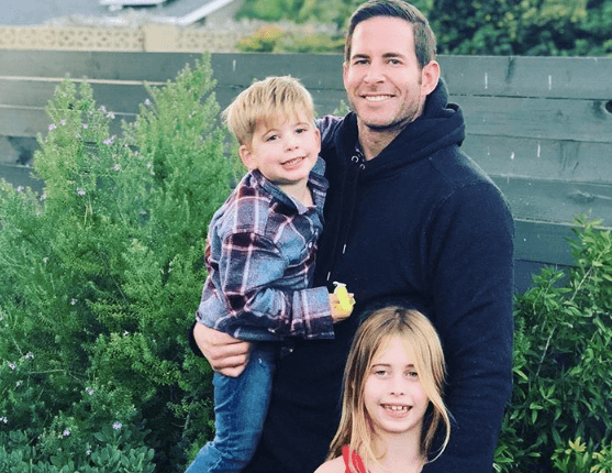 Tarek El Moussa with his kids