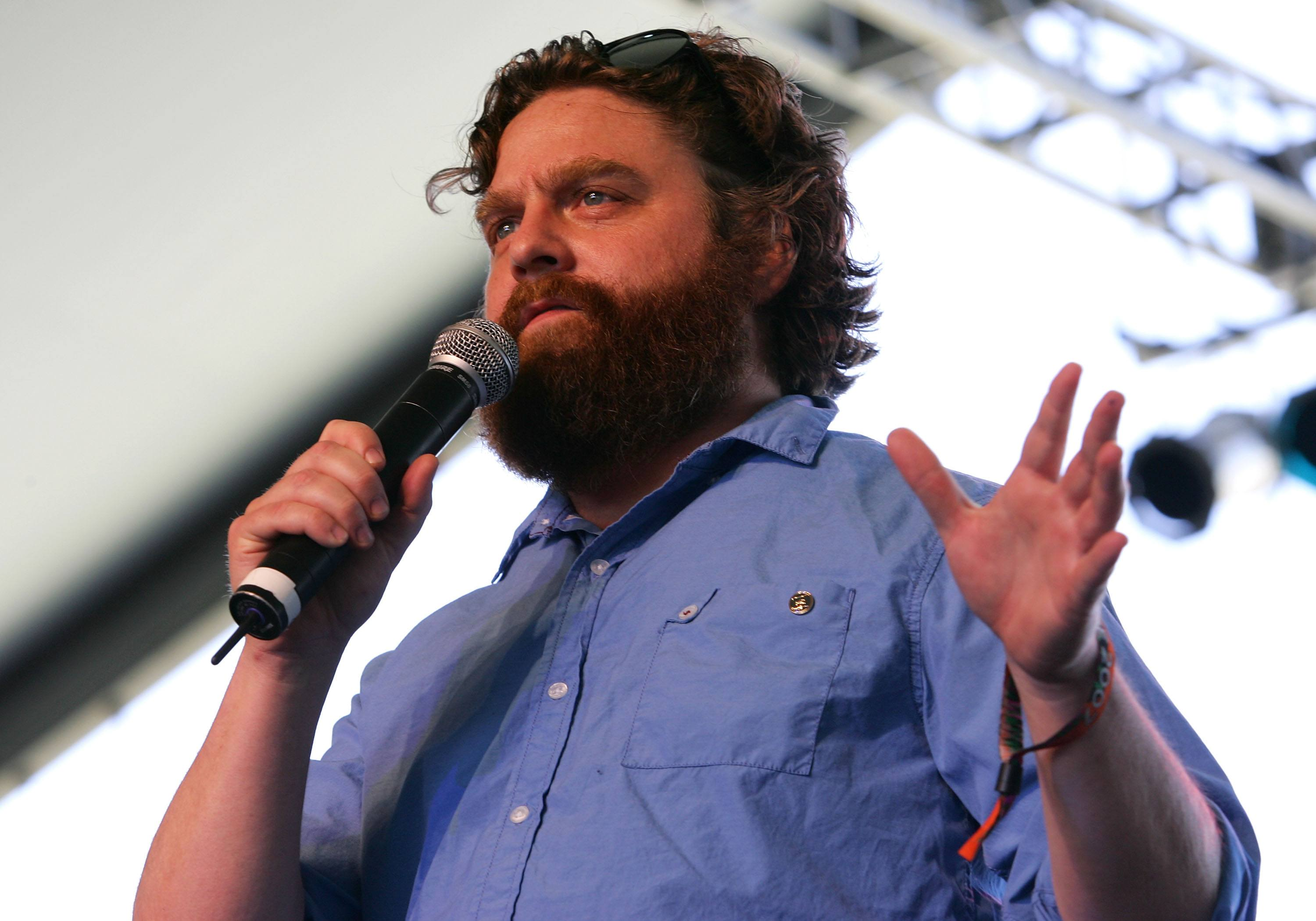 Zach Galifiankis doing standup at the Coachella festival in 2007.