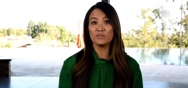 Dr. Sandra Lee in Dr. Pimple Popper