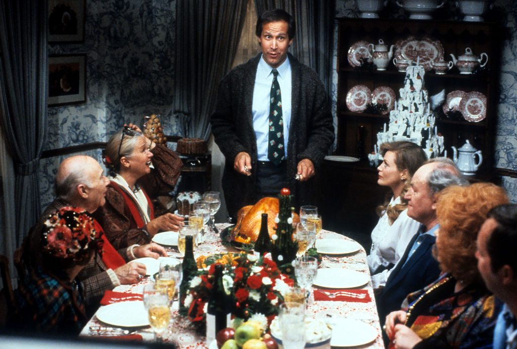 Chevy Chase carves the turkey In 'Christmas Vacation'
