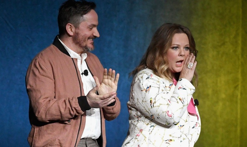 """Director/Actor Ben Falcone (L) and actor Melissa McCarthy speak onstage during CinemaCon 2018 Warner Bros. Pictures Invites You to """"The Big Picture,"""" an Exclusive Presentation of our Upcoming Slate at The Colosseum at Caesars Palace during CinemaCon, the official convention of the National Association of Theatre Owners, on April 24, 2018 in Las Vegas, Nevada."""
