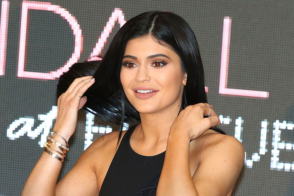 Kylie Jenner appears as Kendall Jenner and Kylie Jenner arrive at Chadstone Shopping Centre on November 18, 2015 in Melbourne, Australia.
