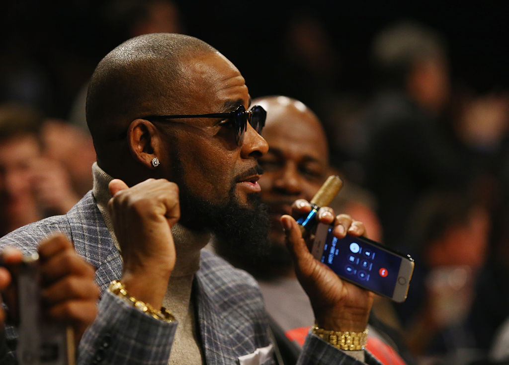R. Kelly attends the Brooklyn Nets vs the Atlanta Hawks at The Barclays Center on November 17, 2015 in New York City.