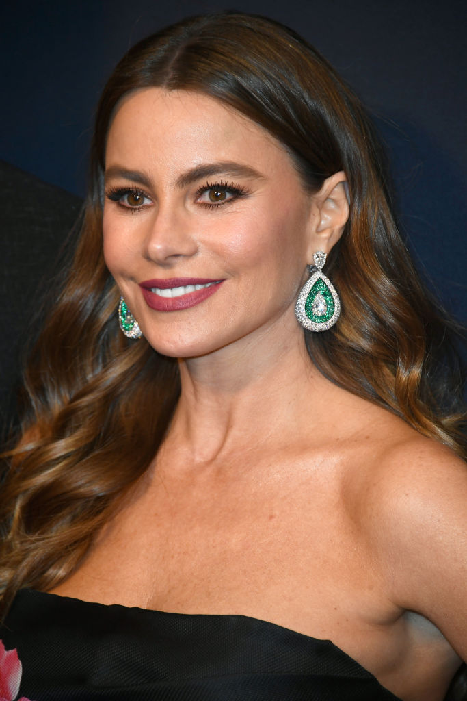 """Sofia Vergara attends WCRF's """"An Unforgettable Evening"""" at the Beverly Wilshire Four Seasons Hotel on February 27, 2018 in Beverly Hills, California."""