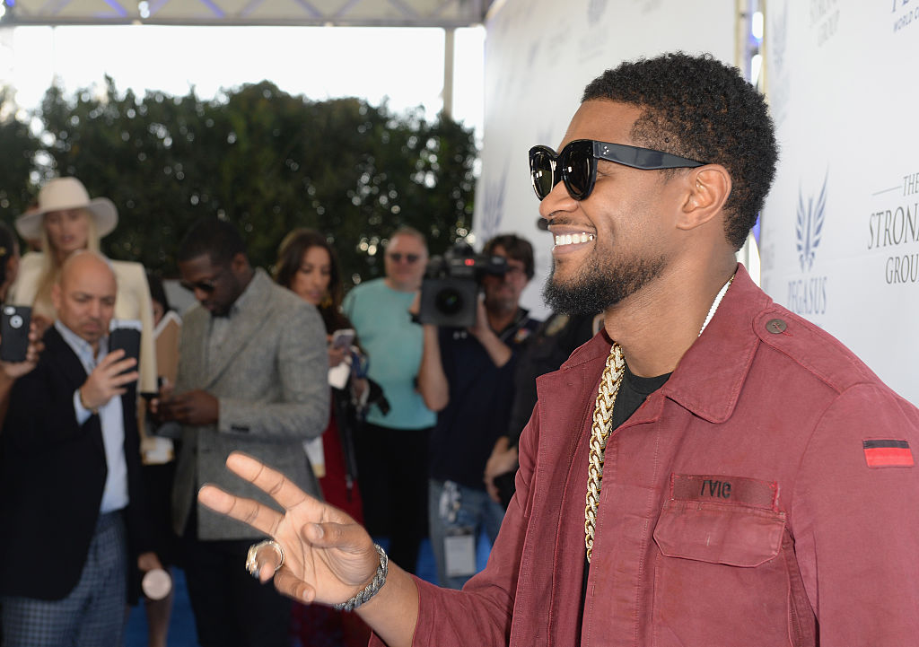 Usher Raymond attends The Inaugural $12 Million Pegasus World Cup Invitational, The World's Richest Thoroughbred Horse Race At Gulfstream Park at Gulfstream Park on January 28, 2017 in Hallandale, Florida.