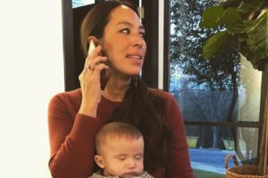 "How Joanna Gaines ""Checks Herself"" When It Comes to Instagram"