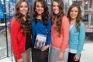 The Real Reason the Duggars Barely Serve Any Food at Their Weddings