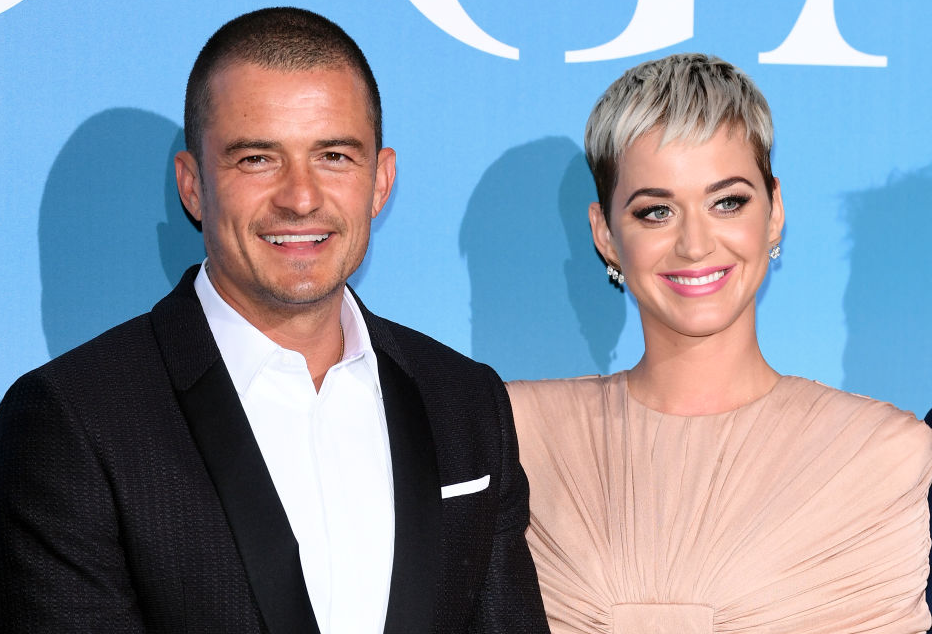 Orlando Bloom and Katy Perry standing together