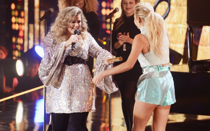 Kelsea Ballerini and Kelly Clarkson
