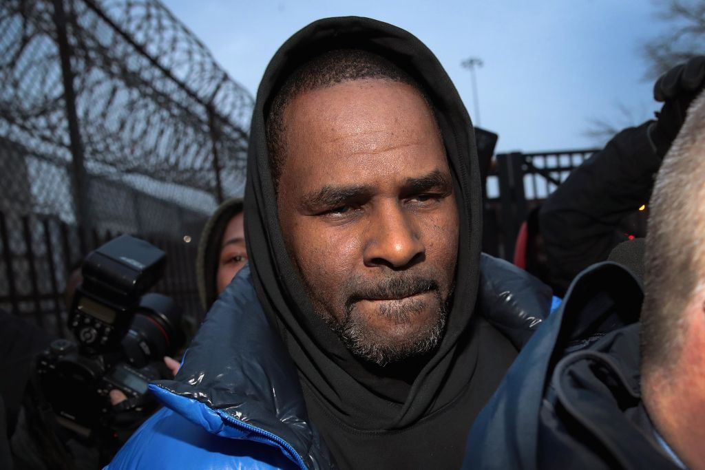 R. Kelly leaves Cook County jail. |  Scott Olson/Getty Images