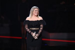 Kelly Clarkson Nails Cover of Lady Gaga's 'Shallow', Shares Sweet Gaga Story
