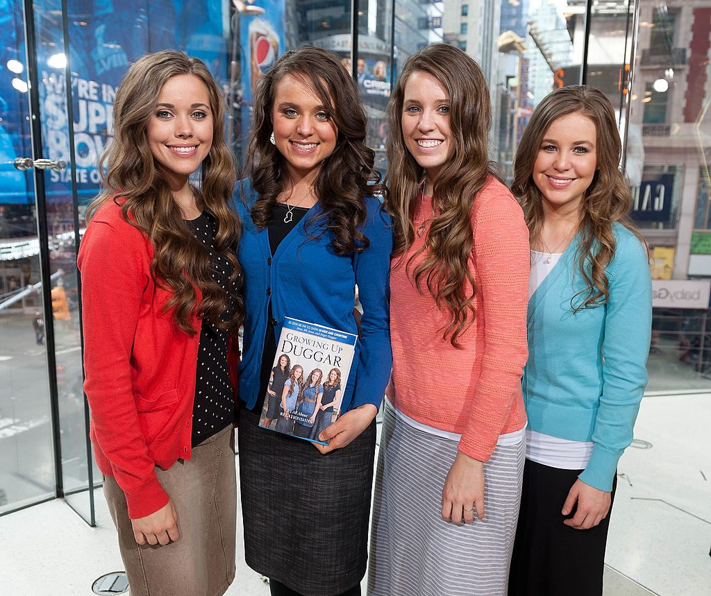"Jessa Duggar, Jill Duggar, and Jana Duggar visit [19659006] Jessa Duggar, Jinger Duggar, Jill Duggar, and Jana Duggar visit ""Extra"" 
