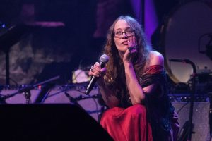 """Why Fiona Apple Was Dubbed """"The Godmother of 2019"""""""