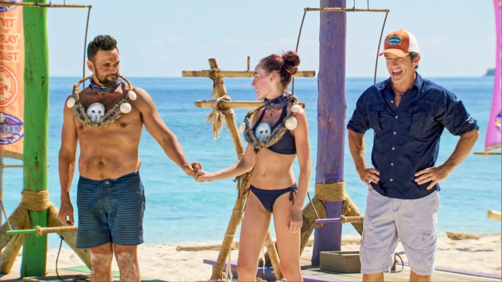 Jeff Probst awards Domenick Abbate and Chelsea Townsend with the Immunity Necklaces