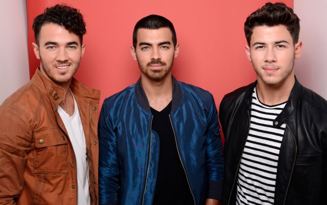 "Fans Are ""Burnin' Up"" About the New Jonas Brothers Movie, But This Is the Only Way They Can See It"