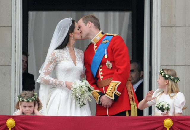 Kate Middleton and Prince William balcony kiss.