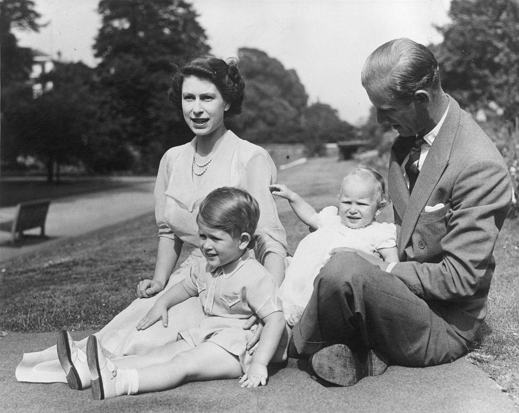 Queen Elizabeth and family