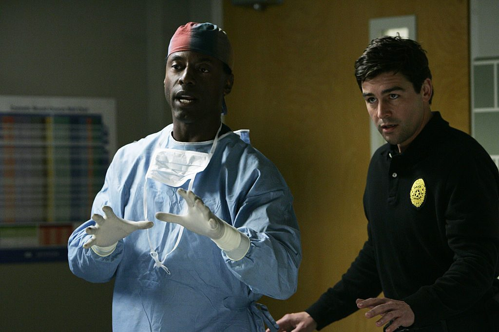 Burke (Isaiah Washington) and Dylan (Kyle Chandler) on Grey's Anatomy