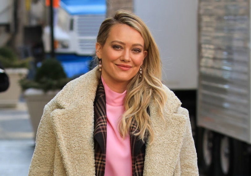 Hilary Duff filming Younger