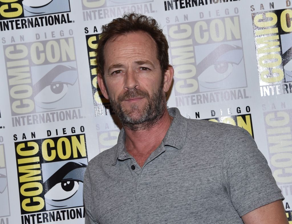 Celebrities, 90210 and Riverdale co-stars react to Luke Perry's death.
