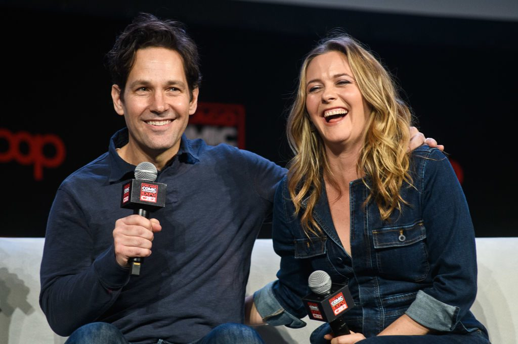 Paul Rudd and Alicia Silverstone at 2019 C2E2 Clueless reunion panel.