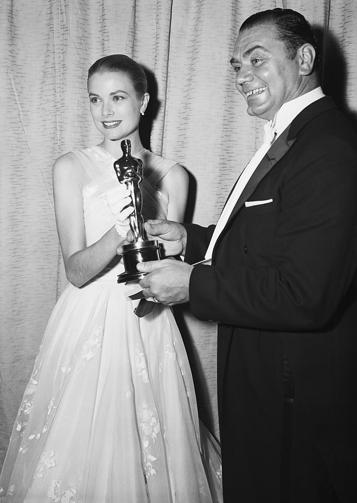 Ernest Borgnine receiving an Oscar for 'Marty'