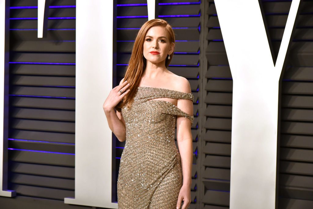 Red carpet photo of Isla Fisher