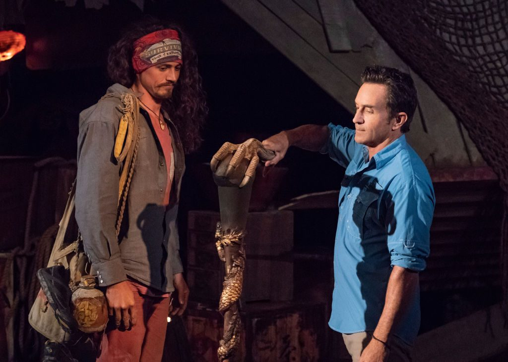 Jeff Probst extinguishes Joe Anglim's torch