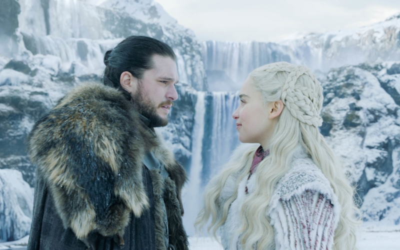 Jon Snow (Kit Harington) and Daenerys Targaryen (Emilia Clarke) in Game of Thrones