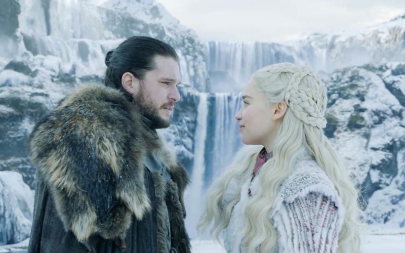 Jon Snow (Kit Harington) and Daenerys Targaryen (Emilia Clarke) in Game of Thrones