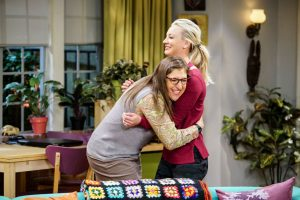Are Kaley Cuoco and Mayim Bialik from 'The Big Bang Theory' Friends in Real Life?