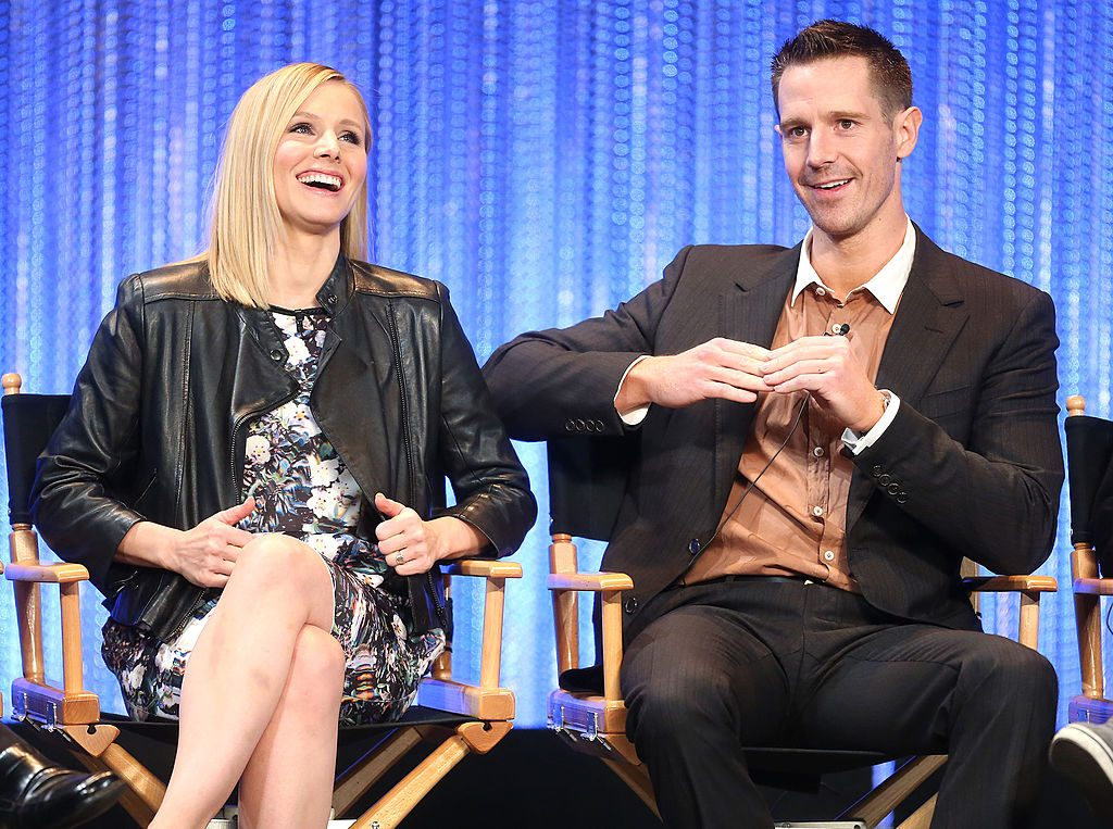 Kristen Bell (L) and actor Jason Dohring
