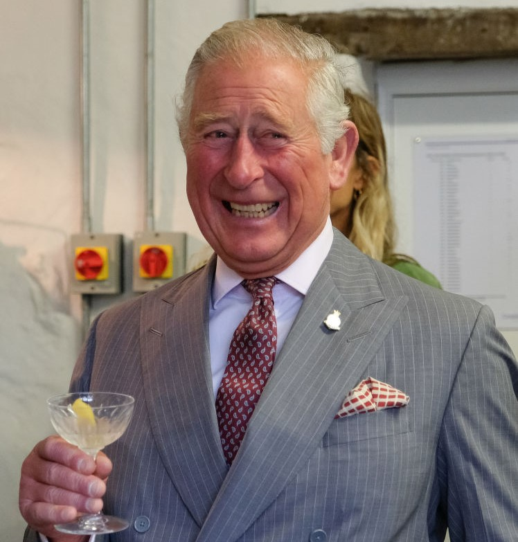 Prince Charles Has Two Men Help Him Get Dressed Every ...