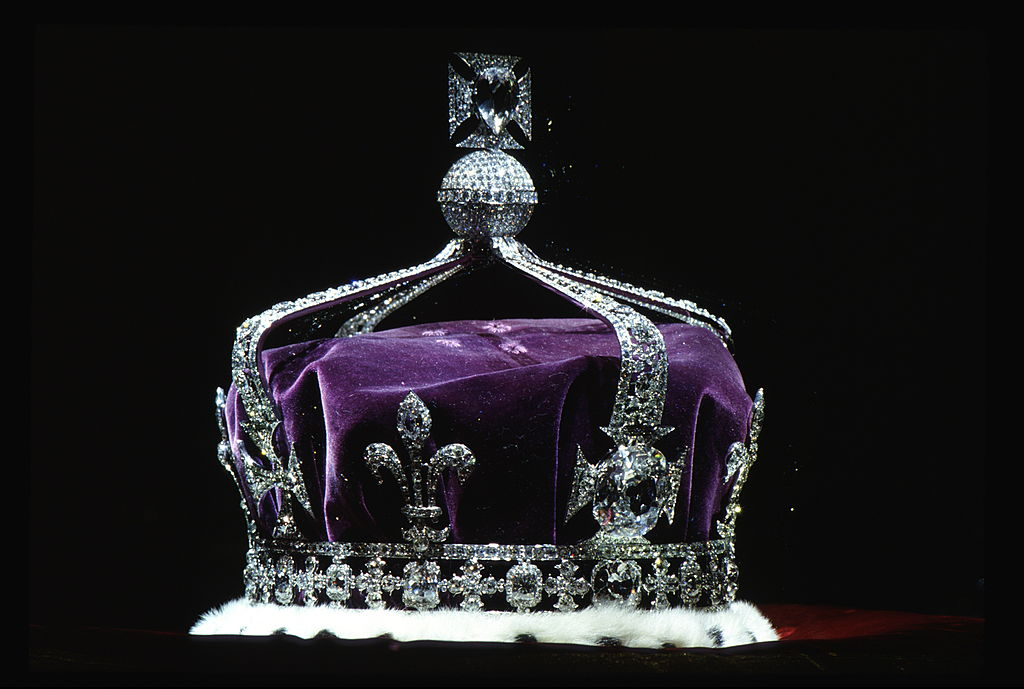 Crown with Koh-i-noor diamond