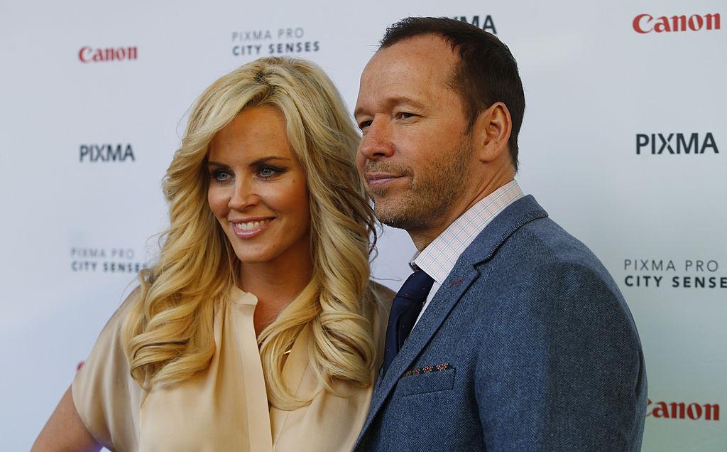 Kuinka kauan on Jenny McCarthy ja Donnie Wahlberg dating dating sivusto Hawaiians