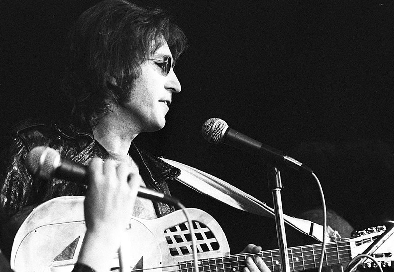 Why John Lennon's Debut Solo Record Didn't Come Close to No. 1