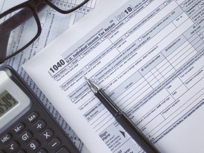 IRS 1040 tax return form