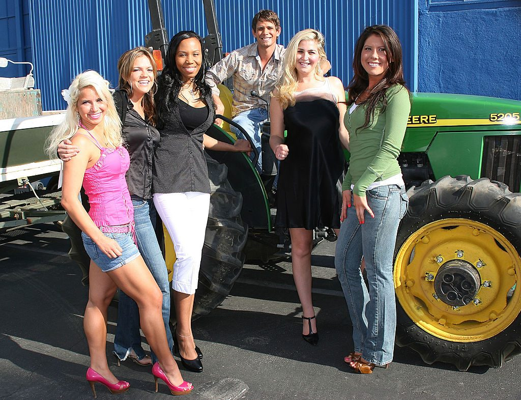 CW's Farmer Wants a Wife contestants with star Matt Neustadt