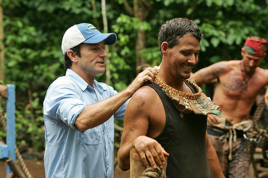 Jeff Probst put the immunity necklace on Rob Mariano