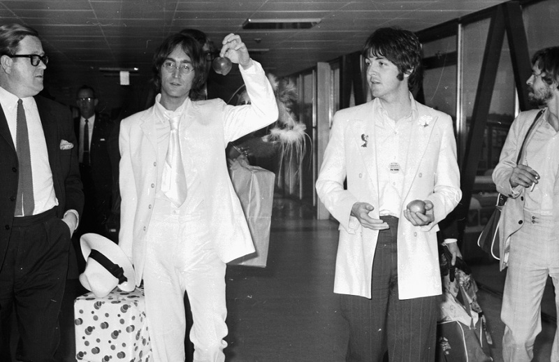 How The Feud Between John Lennon And Paul Mccartney Finally Ended