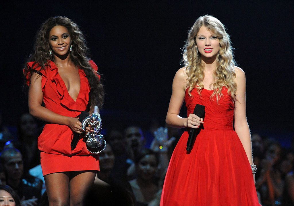 "Taylor Swift speaks after Beyoncé allowed her to finish her speech after  Beyoncé won ""Best Video of the Year"" at the 2009 MTV VMAs."