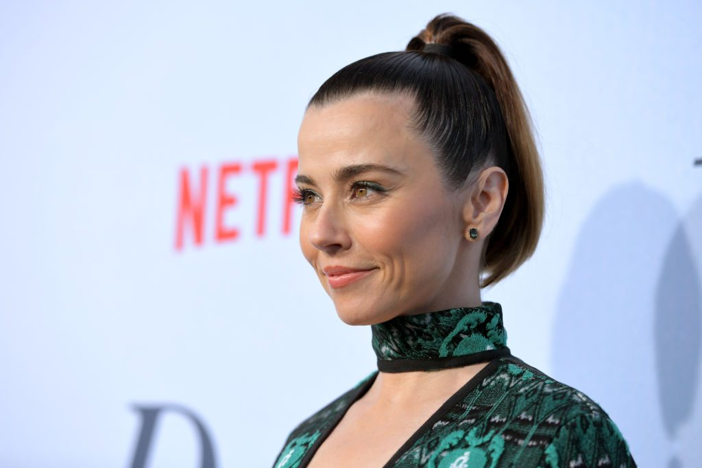 Linda Cardellini attends the premiere of Netflix's Dead to Me at The Eli and Edythe Broad Stage on May 02, 2019 in Santa Monica, California.