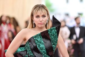 Miley Cyrus Left Church, Religion Because of Her Sexuality and LGBTQ Friends