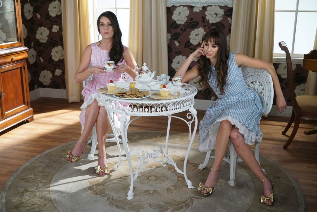 Andrea Parker as Mary Drake and Troian Bellisario as Alex Drake in Pretty Little Liars