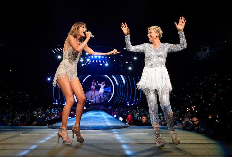Taylor Swift (L) and comedian Ellen DeGeneres