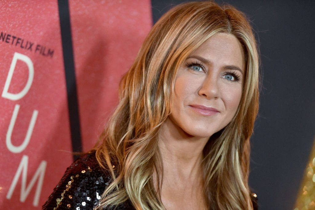 Jennifer Aniston attends the premiere of Netflix's 'Dumplin' at TCL Chinese 6 Theatres.