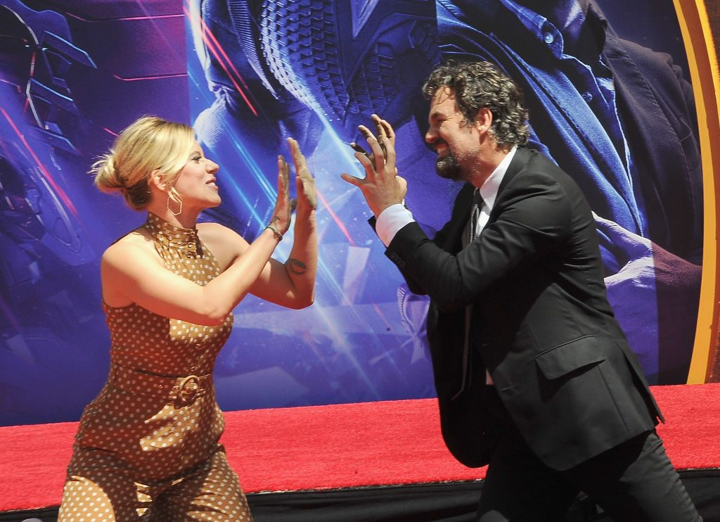 Scarlett Johansson and Mark Ruffalo | </h2> <p> Back in <em> Avengers: Age of Ultron </em> Bruce Banner and Natasha Romanoff had a spark that never seemed to play out after that movie. <em> The Avengers: Endgame </em> The Avengers: Endgame </em> The writers are now explaining why they didn ' </p> <figure class=