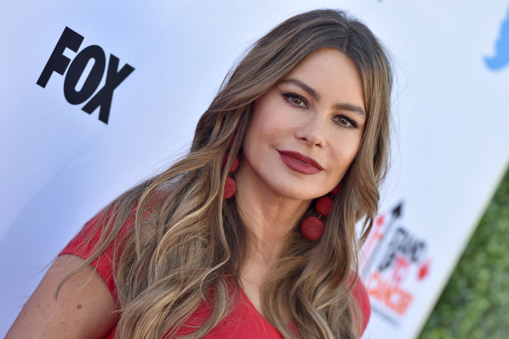 'Modern Family' Star Sofia Vergara's Life Is More Tragic Than You Think - The Reports