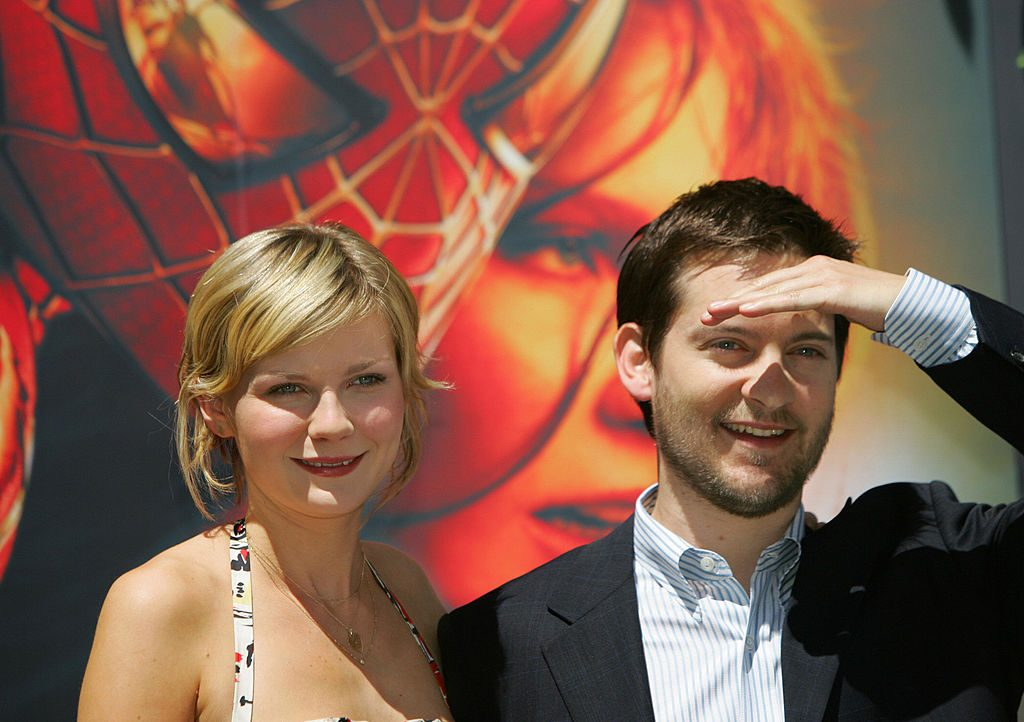 Tobey Maguire (R) and Kirsten Dunst